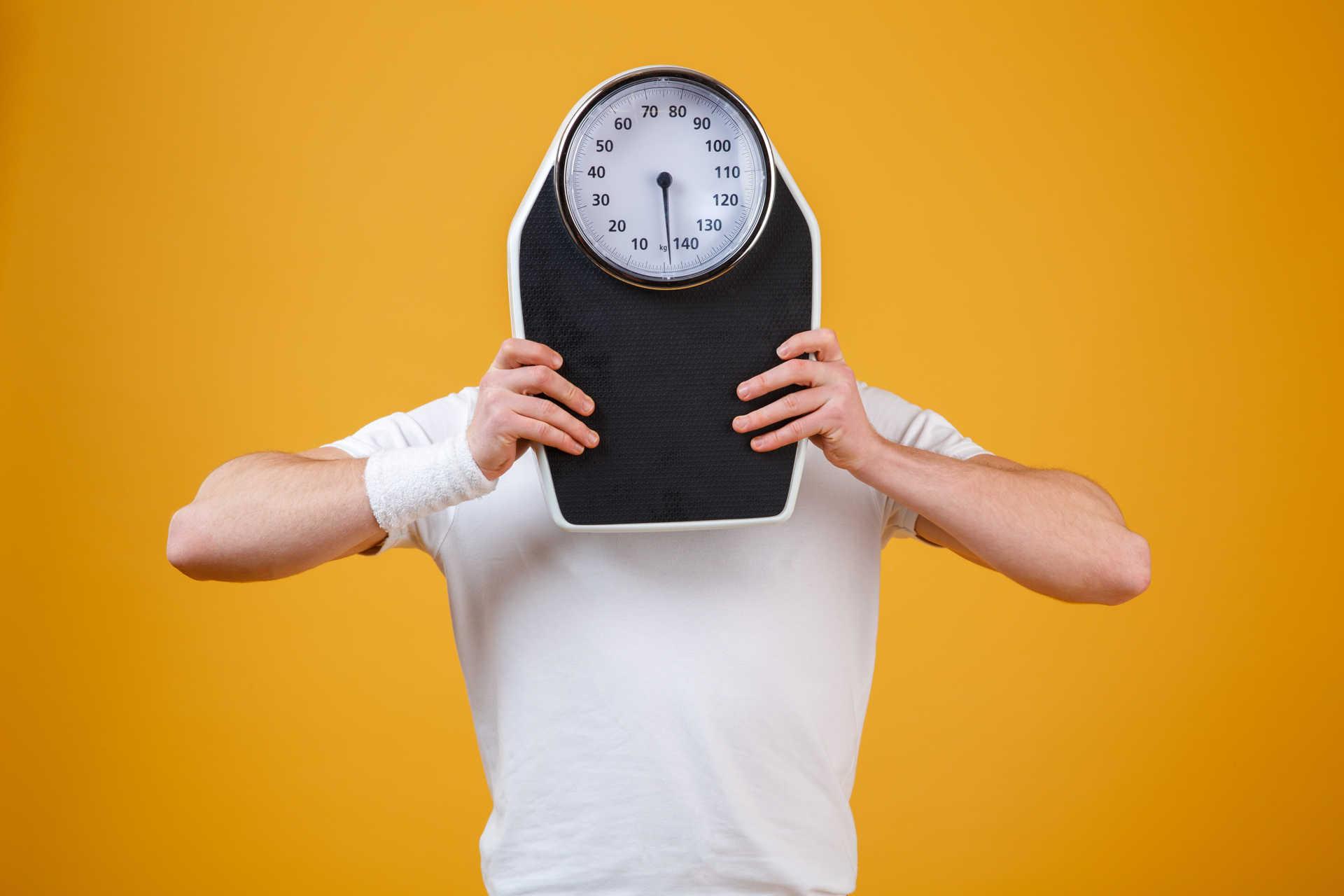 come calcolare il peso corporeo
