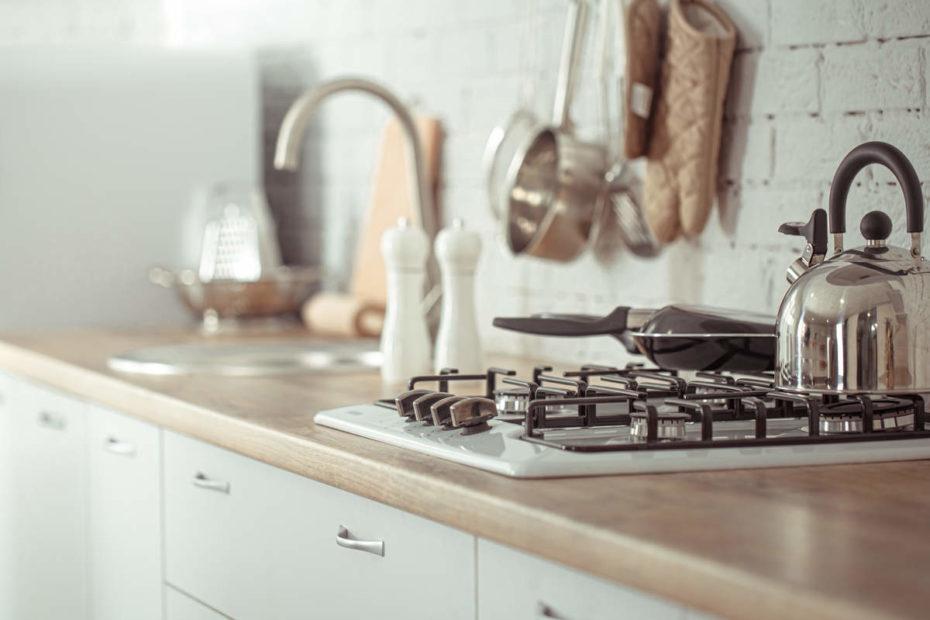 quali sono gli attrezzi indispensabili in cucina